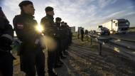 Österreich hält Gewalteinsatz an Grenzen für möglich