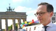 Maas wettet auf die Einführung der Homo-Ehe