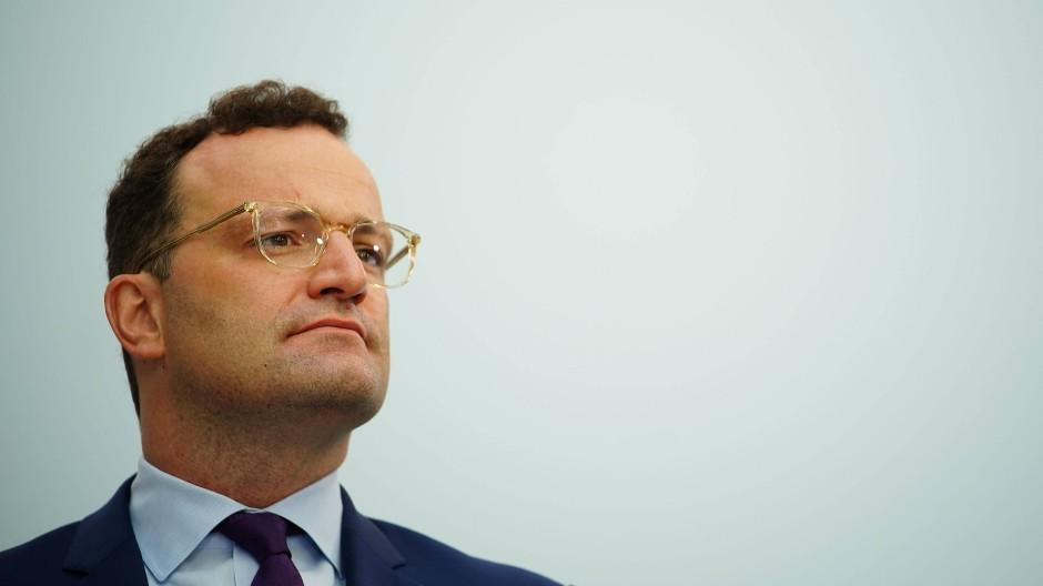Blickt skeptisch auf den russischen Impfstoff: Bundesgesundheitsminister Jens Spahn (CDU)