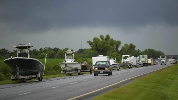 """US-Südküste bereitet sich auf Hurrikan """"Ida"""" vor"""