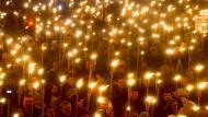Ein Fackelzug der Estnischen Konservativen Volkspartei am Unabhängigkeitstag des Landes in Tallinn.