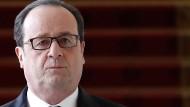 Unterhält Hollande ein schwarzes Kabinett?