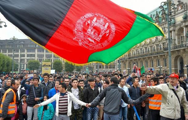 Brief Nach Afghanistan : Bilderstrecke zu organisationen fordern von de maizière