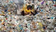 Kreislaufwirtschaft: Gelbe-Tonne-Müll vor der Wiederverwertung