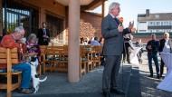 CDU-Spitzenkandidat und Ministerpräsident Volker Bouffier auf einer Wahlkampfveranstaltung im Baunatal