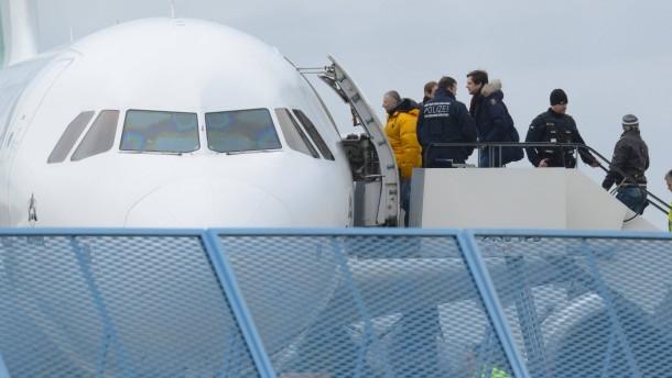 Ausreise statt Abschiebung:Mehr Teilnehmer am Rückkehrprogramm