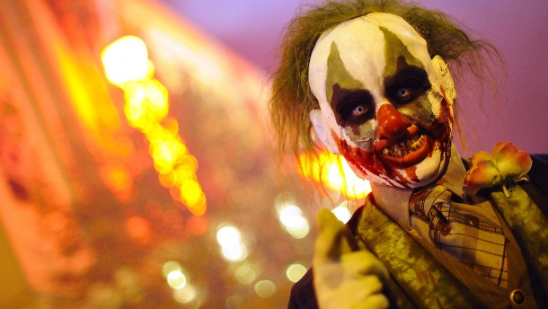 Horror Clown Wird Verprügelt