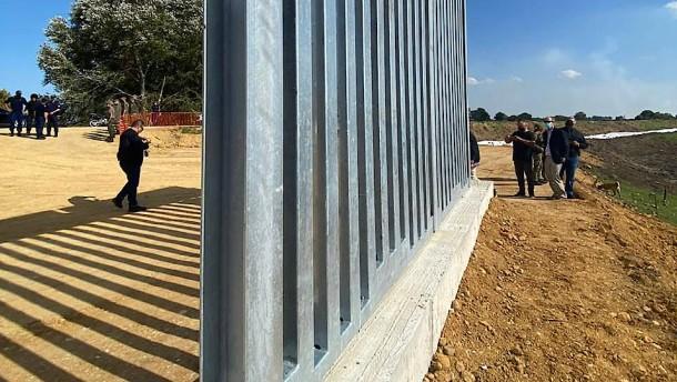 Griechenland baut kilometerlange Mauer