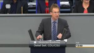 CDU-Politiker trägt Schmähgedicht im Bundestag vor