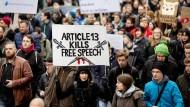Tausende in Berlin demonstrierten am Samstag gegen die geplante Urheberrechtsreform.