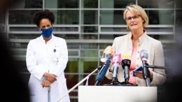 Karliczek: Impfstoff frühestens Mitte 2021