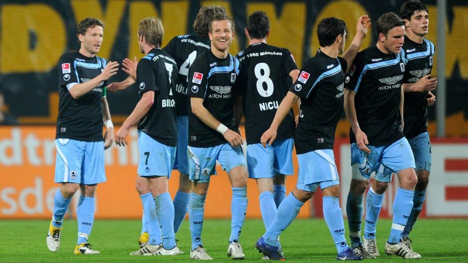"""Glückliche """"Löwen"""": 1860 gewinnt bei Dynamo"""