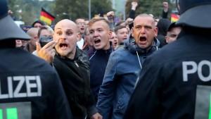 """""""Bitte nur Deutschlandfahnen!"""""""