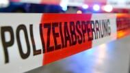 Die Polizei ermittelt: Nach einem Zimmerbrand in Rotenburg an der Fulda muss die Brandursache noch geklärt werden. (Symbolbild)