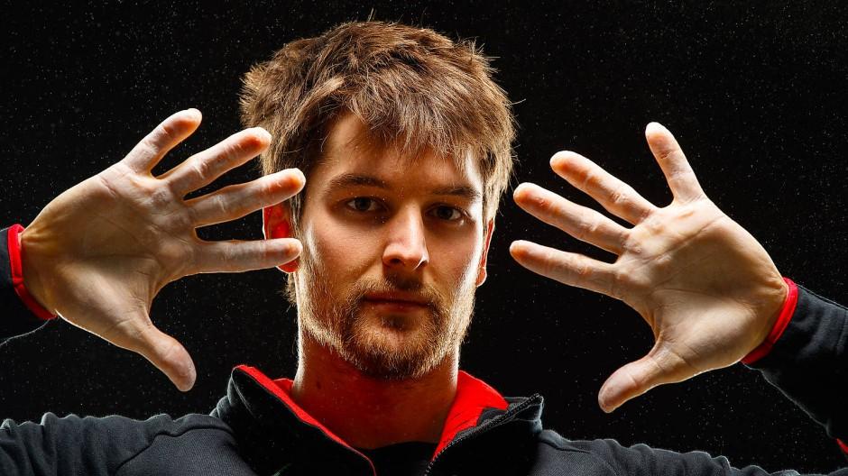 Vorsicht beim Gemüseschneiden: An den Fingerkuppen hängt bei Spitzenkletterern wie Jan Hojer sehr viel.