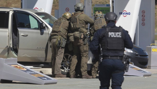 Angreifer erschießt 16 Menschen in Kanada