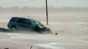 Sturm legt Stromnetz lahm und bringt massiven Regen