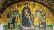 Mosaik in der Hagia Sophia: Die Kaiser Justinian (links) und Konstantin