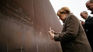 Merkel ruft zu Einsatz für Freiheit und Demokratie auf