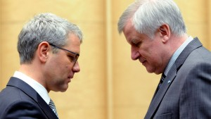 Seehofer: Röttgen soll auch als Oppositionsführer bleiben