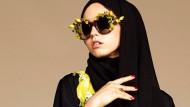 Sonnenbrille, Handtasche, Abaya und Hidschab: Alles von Dolce&Gabbana