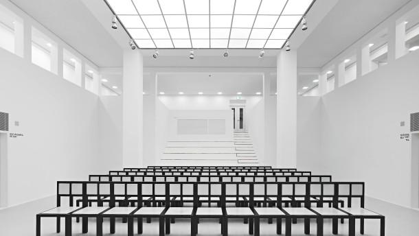 Frankfurter Museumsdirektor ins Gesicht geschlagen