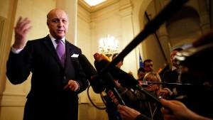 Fabius und Steinmeier drohen Russland mit weiteren Sanktionen