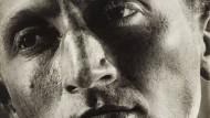 """""""Verwandlungen durch Licht"""" heißt die Serie von 1936, aus der dieses Fotos stammt."""