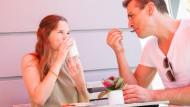 Das Date mag noch so schön gewesen sein – am Morgen danach die Rechnung für das Frühstück auseinander zu rechnen ist nicht sexy.