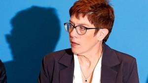 Kramp-Karrenbauer für UN-Migrationspakt
