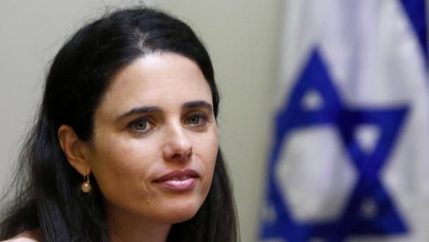 """Israels Justizministerin warnt vor """"Krieg der Autoritäten"""""""