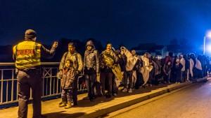 Regierung: Wir schießen nicht auf Flüchtlinge
