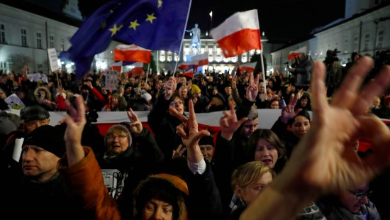 Europaskeptische Regierungspartei ist Favorit