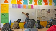 An der Otto-Hahn-Schule in Frankfurt lernen jugendliche Flüchtlinge in Intensivklassen Deutsch.