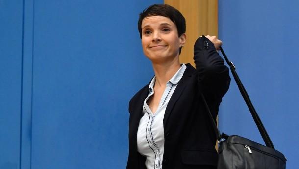 """Frauke Petry will mit den """"Blauen"""" die CSU angreifen"""