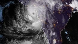 """Zyklon """"Tauktae"""" erreicht Indiens Westküste"""