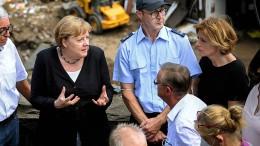 """Merkel nennt Situation in Hochwassergebiet """"gespenstisch"""""""