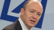 Die Fülle von Rechtsstreitigkeiten zu beenden steht derzeit oben auf der Aufgabenliste des Chefs der Deutschen Bank John Cryan.