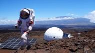 Wissenschaftlerin Christiane Heinicke während der Marssimulation auf Hawaii