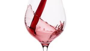 Auch Rotwein gehört in den Kühlschrank