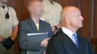 Der sogenannte Reichsbürger von Georgensgmünd beim Prozessbeginn am Landgericht in Nürnberg