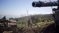 Israelische Panzer feuern auf Stadt im Gazastreifen