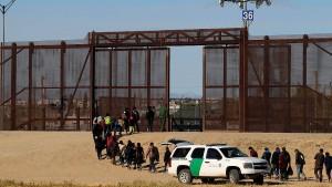 Pentagon zahlt eine Milliarde für Trumps Grenzbefestigung