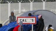 Flüchtlinge legen Eurotunnel lahm