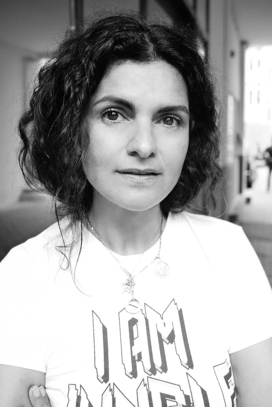 Leyla Piedayesh, Jahrgang 1970, wurde in Teheran geboren. 2004 hat sie die Modemarke Lala Berlin gegründet, die sie weiter führt.