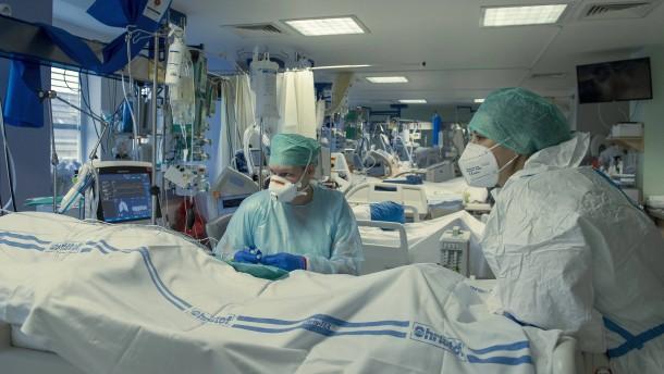 Sterberate in Uni-Kliniken sank im Laufe der Pandemie deutlich