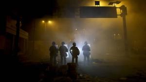 Ausgangssperre nach schweren Unruhen