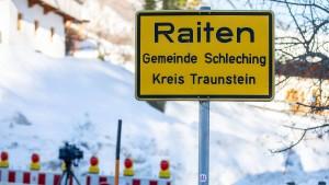 Dorf in Bayern von Lawine bedroht