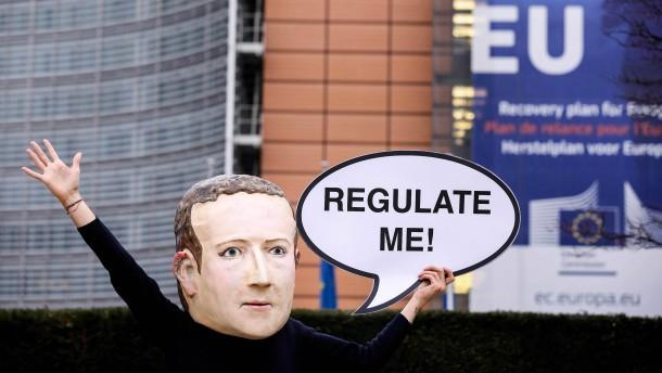 Die EU knöpft sich die Internet-Giganten vor