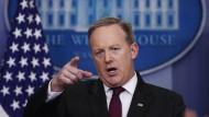 Der amerikanische Pressesprecher Sean Spicer während einer Fragerunde in Washington, an der nur ausgewählte Medien teilnehmen durften.